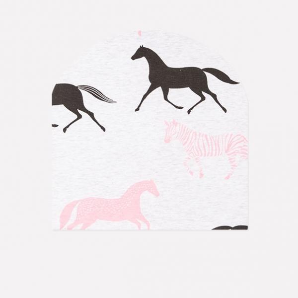 Шапка детская, св.серый меланж лошадки к235, КР 8102